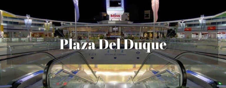 Als je toevallig op het strand van El Duque of in de buurt bent, moet je zeker naar deze elegante plek met de meeste prestigieuze merken komen. In dit geweldige winkelcentrum zijn er 64 winkels zoals :sieraden,modewinkels,restaurants,bars,schoonheidssalons Het is elke dag van de week open van 10u tot 22u.